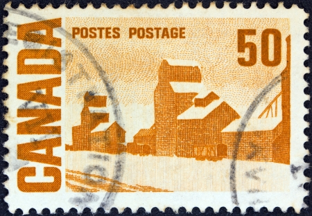 postes: CANADA - CIRCA 1967: A stamp printed in Canada from the Centennial Issue shows Summers Stores painting by Arthur John Ensor, circa 1967.  Editorial