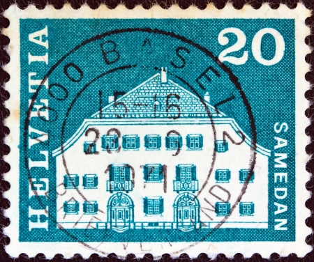 sello: SWITZERLAND - CIRCA 1964: A stamp printed in Switzerland from the Architectural Monuments (2nd series) issue shows Planta House, Samedan, circa 1964.