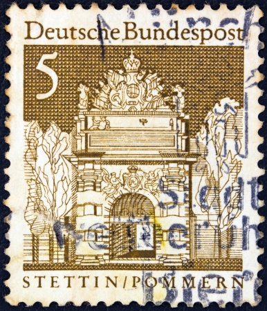 bundespost: GERMANY - CIRCA 1966: A stamp printed in Germany from the Historic Buildings issue shows Berlin Gate, Stettin, circa 1966.  Editorial