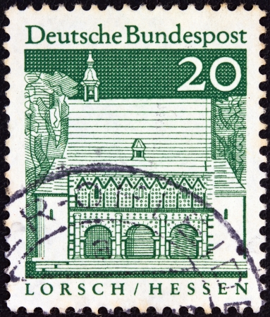 bundes: GERMANY - CIRCA 1966: A stamp printed in Germany from the Historic Buildings issue shows Carolingian gatehall, Lorsch, circa 1966.
