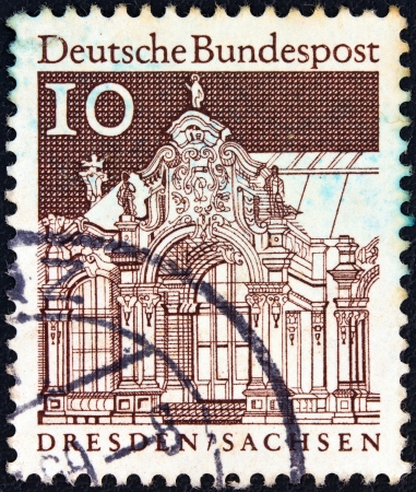 bundespost: GERMANY - CIRCA 1966: A stamp printed in Germany from the Historic Buildings issue shows Wall Pavilion, Zwinger, Dresden, circa 1966.