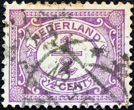 stempeln: NETHERLANDS - CIRCA 1898: A stamp printed in the Netherlands shows its value, circa 1898.