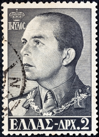 stempeln: GREECE - CIRCA 1956: A stamp printed in Greece shows king Paul of Greece, circa 1956.