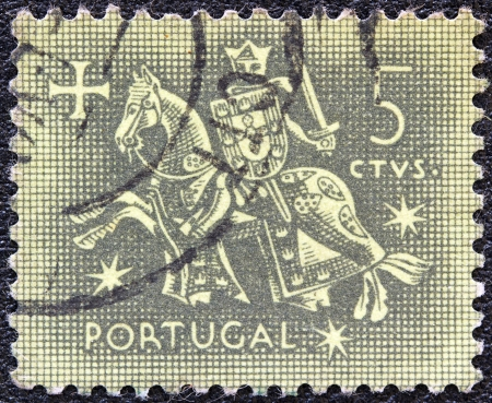 selo: PORTUGAL - CIRCA 1953: A stamp printed in Portugal shows the Seal of authority of King Dinis, circa 1953.