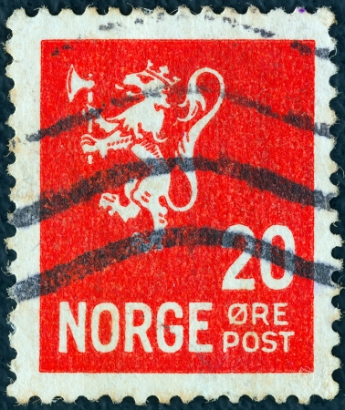 NORWAY - CIRCA 1926: A stamp printed in Norway shows the coat of arms of Norway, circa 1926.