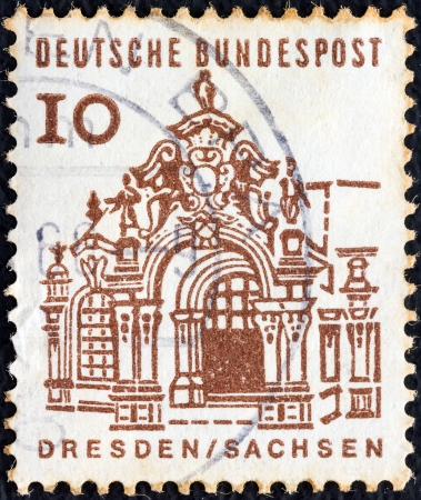 bundespost: GERMANY - CIRCA 1964: A stamp printed in Germany from the Twelve Centuries of German Architecture issue shows Zwinger pavilion, Dresden, circa 1964.