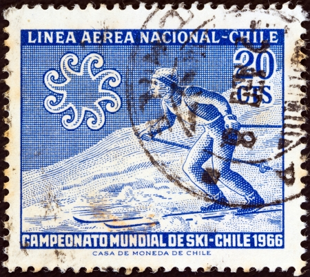 aerea: CHILE - CIRCA 1965: A stamp printed in Chile from the World Skiing Championships - Chile 1966 issue shows Skier crossing slope, circa 1965.  Editorial