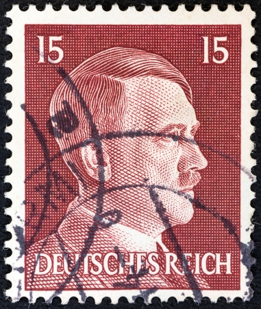 stempeln: GERMANY - CIRCA 1941: A stamp printed in Germany shows Adolph Hitler, circa 1941.