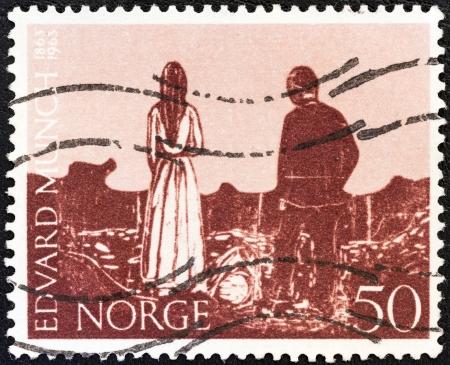 """engraver: NORVEGIA - CIRCA 1963: Un timbro stampato in Norvegia emesso per il centenario della nascita di Edvard Munch (pittore e incisore) mostra """"i solitari"""", circa 1963. Editoriali"""
