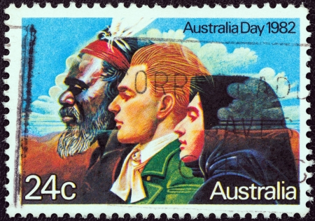 estampilla: AUSTRALIA - CIRCA 1982: A stamp printed in Australia from the Australia Day issue shows the Three Great Waves of Migration, circa 1982.