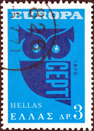 stempeln: GREECE - CIRCA 1970  A stamp printed in Greece from the  Europa  issue shows Owl  Post Horns and CEPT , circa 1970   Editorial