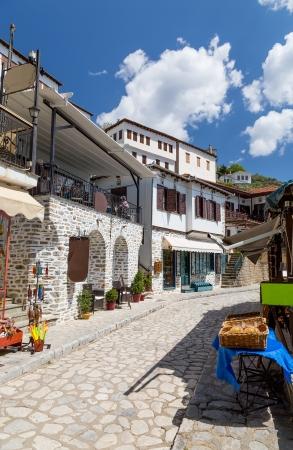 thessalia: Alley in the picturesque village of Makrinitsa, Pelion, Greece  Stock Photo