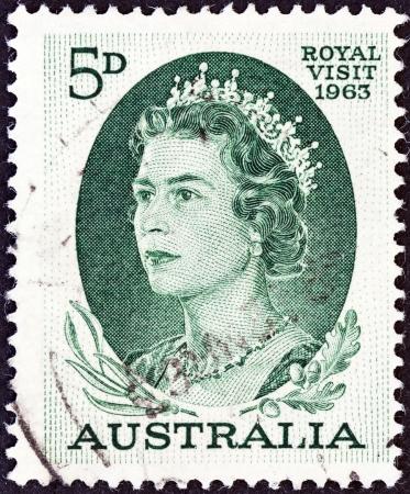 sello: AUSTRALIA - CIRCA 1963  A stamp printed in Australia shows Queen Elizabeth II, circa 1963   Editorial