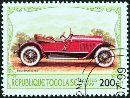 bearcat: TOGO - CIRCA 1999  A stamp printed in Togo from the  Antique Automobiles  issue shows a Stutz Bearcat, 1921, circa 1999
