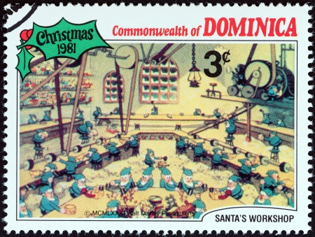 sello: DOMINICA - CIRCA 1981  A stamp printed in Dominica from the  Christmas  Scenes from Walt Disney s cartoon film Santa s Workshop   issue shows film scene, circa 1981   Editorial