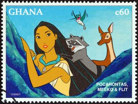 GHANA - CIRCA 1996 Een stempel gedrukt in Ghana van de National Stamp Exhibition 1996, Orlando, USA - Disney Friends - Disney Cartoon Characters kwestie toont Pocahontas, Meeko en Flit, circa 1996 Redactioneel