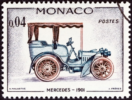 postes: MONACO - CIRCA 1961  A stamp printed in Monaco from the  Veteran Cars   issue shows Mercedes, 1901, circa 1961