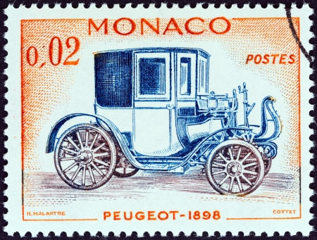 postes: MONACO - CIRCA 1961  A stamp printed in Monaco from the  Veteran Cars   issue shows Peugeot, 1898, circa 1961