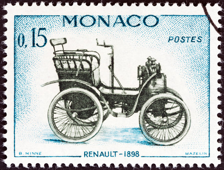 postes: MONACO - CIRCA 1961  A stamp printed in Monaco from the  Veteran Cars   issue shows Renault, 1898, circa 1961