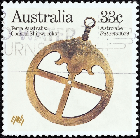 estampilla: AUSTRALIA - CIRCA 1985  A stamp printed in Australia from the  Bicentenary  1988  of Australian settlement  3rd issue   Relics from early shipwrecks  issue shows Astrolabe  Batavia 1629 , circa 1985