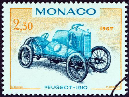 postes: MONACO - CIRCA 1967  A stamp printed in Monaco from the  25th Grand Prix, Monaco  issue shows Peugeot Grand Prix racing car of 1910, circa 1967