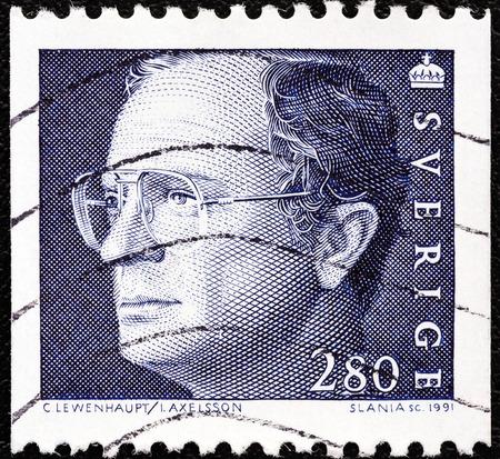 sello: SWEDEN - CIRCA 1991  A stamp printed in Sweden shows King Carl XVI Gustaf, circa 1991
