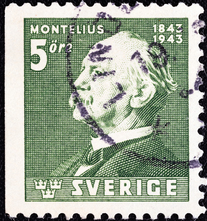 stempeln: SWEDEN - CIRCA 1943  A stamp printed in Sweden issued for the Birth Centenary of archaeologist Oscar Montelius shows Oscar Montelius  after Emerik Stenberg , circa 1943