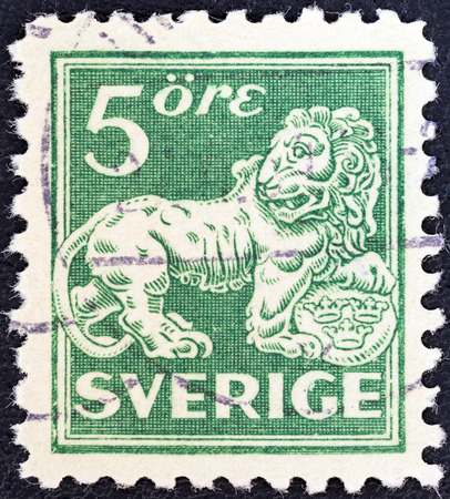 stempeln: SWEDEN - CIRCA 1920  A stamp printed in Sweden shows a lion  after sculpture by B  Foucquet , circa 1920