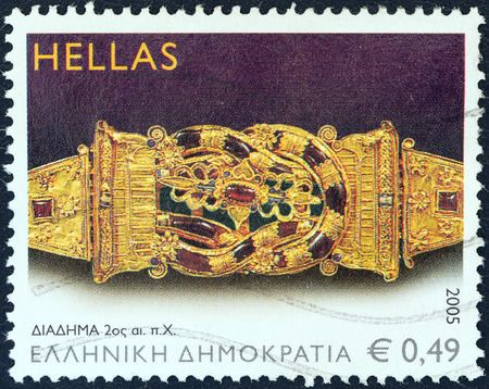 stempeln: GREECE - CIRCA 2005  A stamp printed in Greece from the  Ancient Greek Jewellery  issue shows Crown, 2nd century B C , circa 2005
