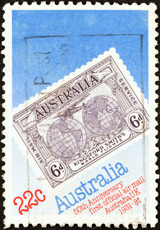 timbre: AUSTRALIA - CIRCA 1981: A stamp printed in Australia issued for the 50th anniversary of Official Australia - UK Airmail Service shows 1931 Kingsford Smith\