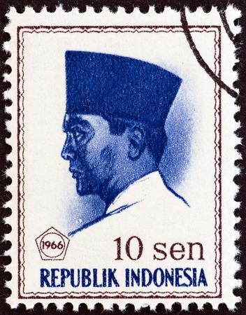 sukarno: INDONESIA - CIRCA 1966: A stamp printed in Indonesia shows president Sukarno, circa 1966.