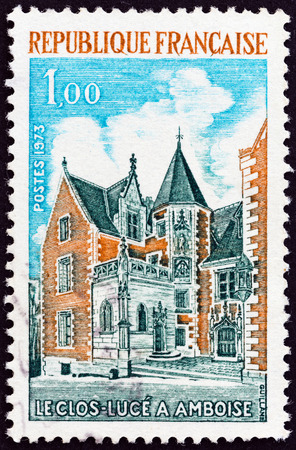 postes: FRANCE - CIRCA 1973: A stamp printed in France shows Clos-Luce manor, Amboise, circa 1973. Editorial