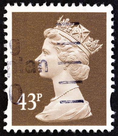 queen elizabeth ii: UNITED KINGDOM - CIRCA 1996: A stamp printed in United Kingdom shows Queen Elizabeth II, circa 1996.
