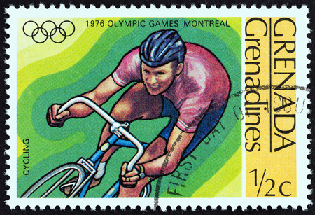 estampilla: GRENADINES OF GRENADA - CIRCA 1976: A stamp printed in Grenada from the Olympic Games, Montreal  issue shows Cycling, circa 1976.