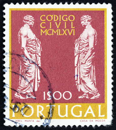 timbre: PORTUGAL - CIRCA 1967: A stamp printed in Portugal from the New Law for the Administration of Justice  issue shows Roman Senators, circa 1967. Editorial