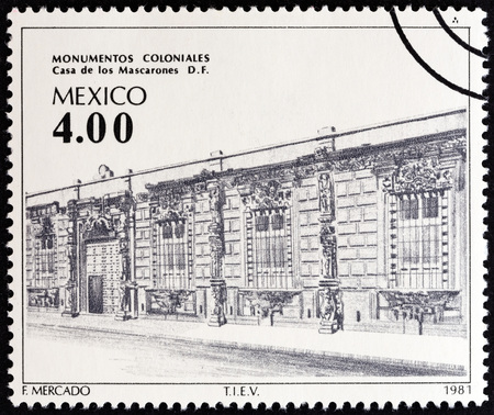 estampilla: MEXICO - CIRCA 1981: A stamp printed in Mexico from the Colonial Architecture  issue shows Mascarones House, circa 1981.