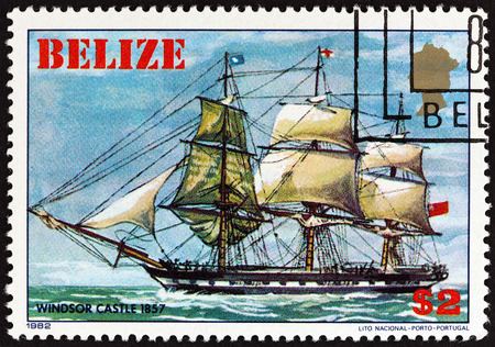 sello: BELIZE - CIRCA 1982: A stamp printed in Belize from the Sailing Ships issue shows Windsor Castle, 1857, circa 1982.