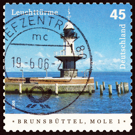 timbre: GERMANY - CIRCA 2005: A stamp printed in Germany from the Lighthouses issue shows Brunsbuttel Mole 1 Lighthouse, circa 2005. Editorial