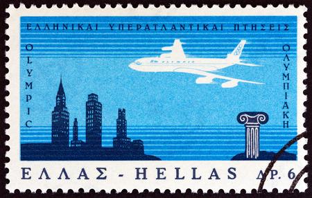 sello: GREECE - CIRCA 1966: A stamp printed in Greece issued for the inauguration of Greek Airways Transatlantic Flights shows Boeing 707 Jetliner crossing Atlantic Ocean, circa 1966.