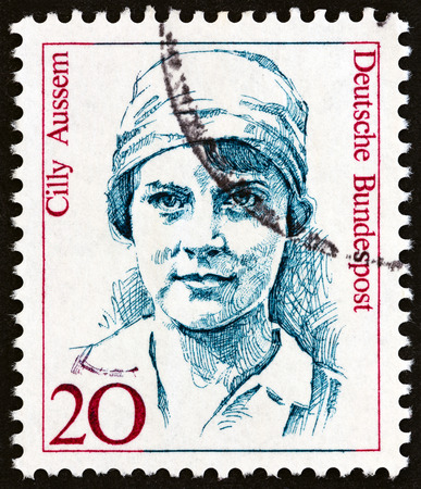 bundespost: GERMANY - CIRCA 1988: A stamp printed in Germany from the Famous German Women issue shows Cilly Aussem, circa 1988.