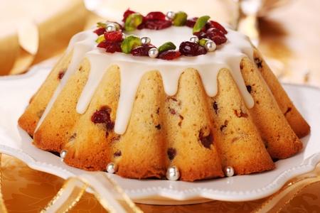 weihnachtskuchen: Weihnachtskuchen mit kandierten Früchten mit