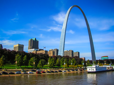 Saint Louis Arch   Gateway To the West  Saint Louis MO