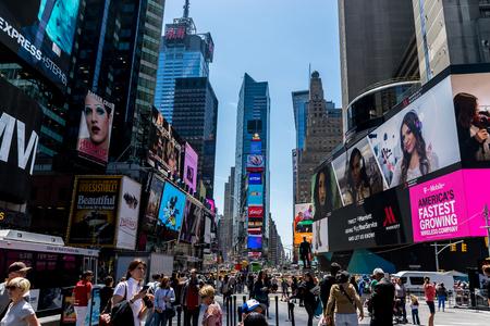 ニューヨーク タイムズ スクエア