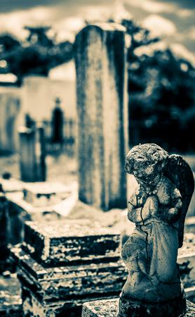 angel cemetery: New Orleans Lafayette Cemetery Praying Angel