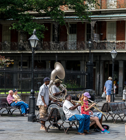 New Orleans French Quarter Street Performers Editöryel