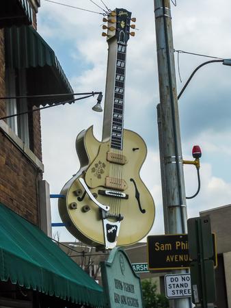 メンフィス、テネシー州アメリカ合衆国 - メンフィスのサン ・ スタジオのギター 報道画像