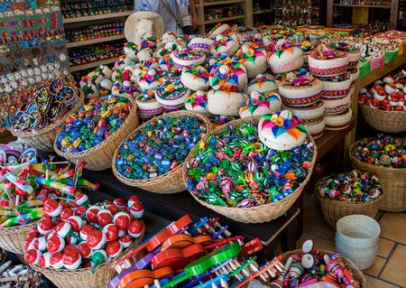 Colorful 5th Avenue Souvenir Shop in Playa Del Carmen, Mexico 스톡 콘텐츠