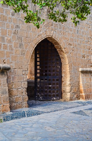 Open the door to the old castle