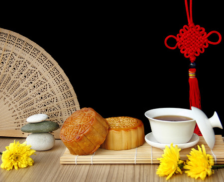 Mooncake and tea,Chinese mid autumn festival food. Banco de Imagens