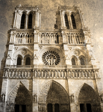 Notre Dam de Paris         photo